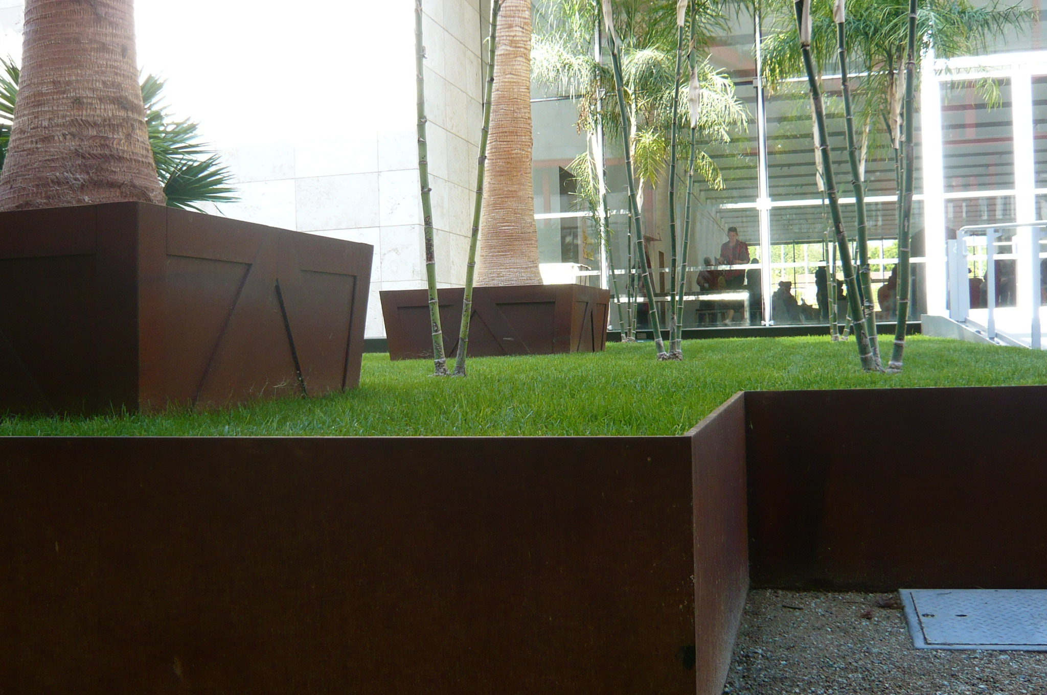 1000 images about modern planters on pinterest - Macetas modernas ...